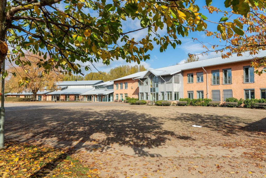 Fågelbäckskolan finns i västra Trelleborg och är en 7-9 grundskola