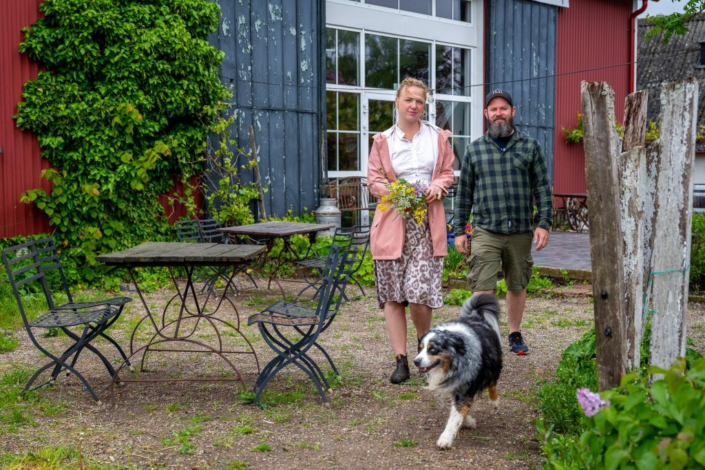 Joanna och Mick Daly, krögarparet bakom Hällåkra vingård, ser fram emot sommaren 2020 med tillförsikt.