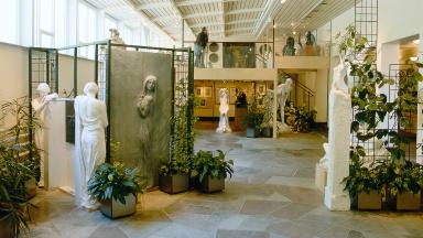 Skulpturer på Axel Ebbes konsthall