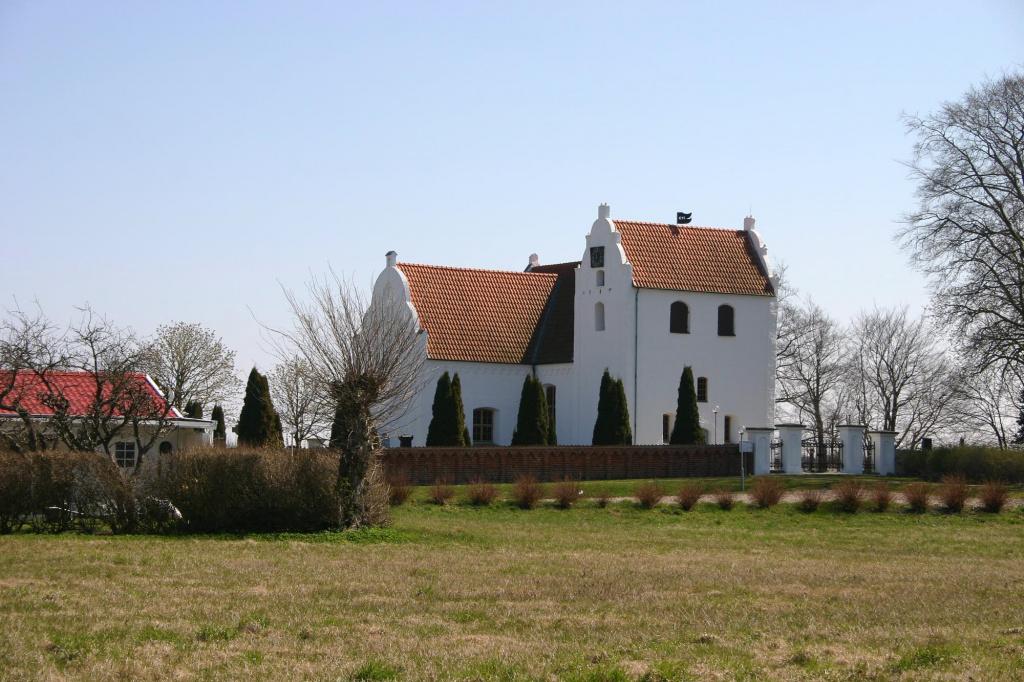 Maglarps gamla kyrka