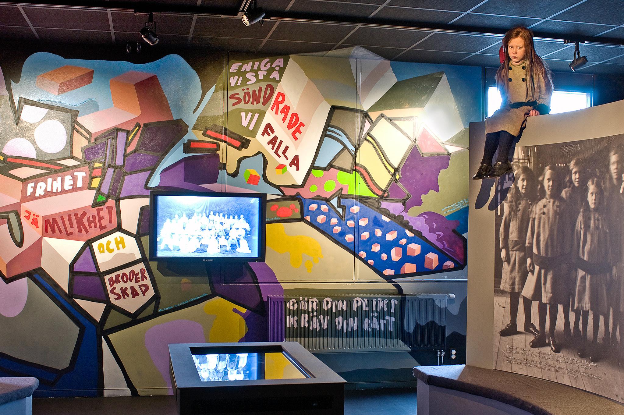 Tioöresflickan i utställningen Stadslifv.