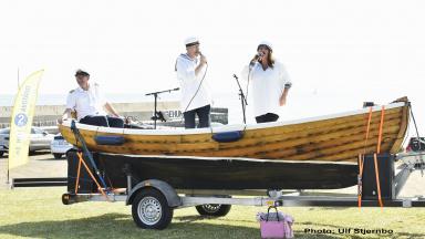 musikbåt på släp