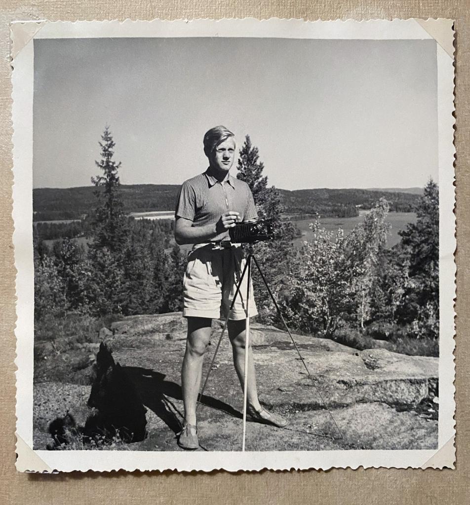 Jan som ung med filmkamera