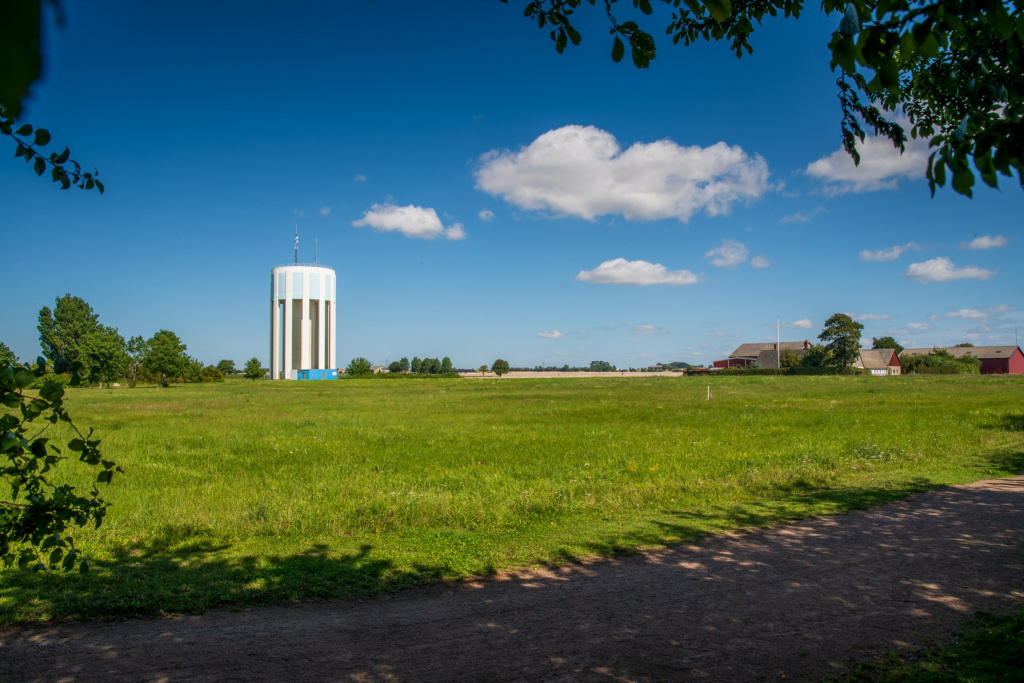 Östervång, områdesbild, vy mot vattentornet